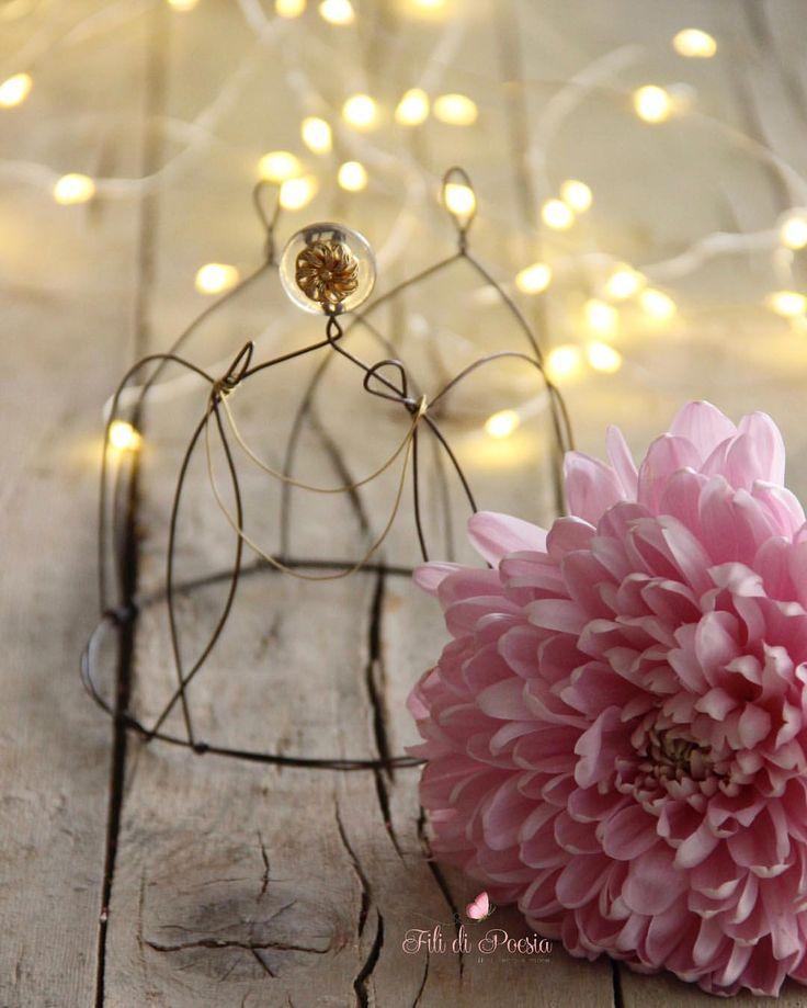 """""""Mi piace"""": 237, commenti: 10 - Daniela Corti•Wire & Textile (@filidipoesia) su Instagram: """"Il bisogno di rivelare l'incanto segreto racchiuso nelle piccole cose  Buongiorno a voi…"""""""