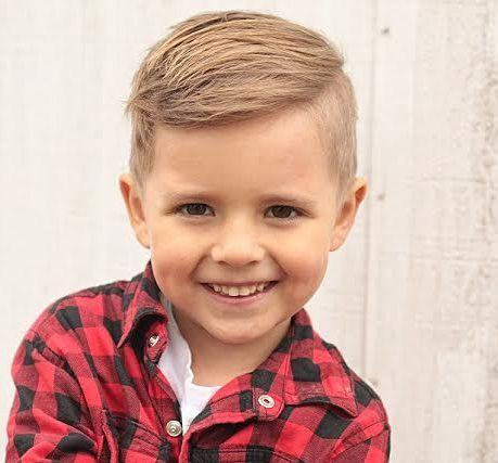 Coole Frisuren für kleine Jungs