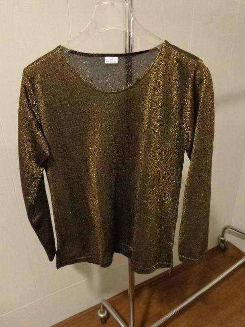 Gouden shirt - Mt 42 - Prijs: € 3,00