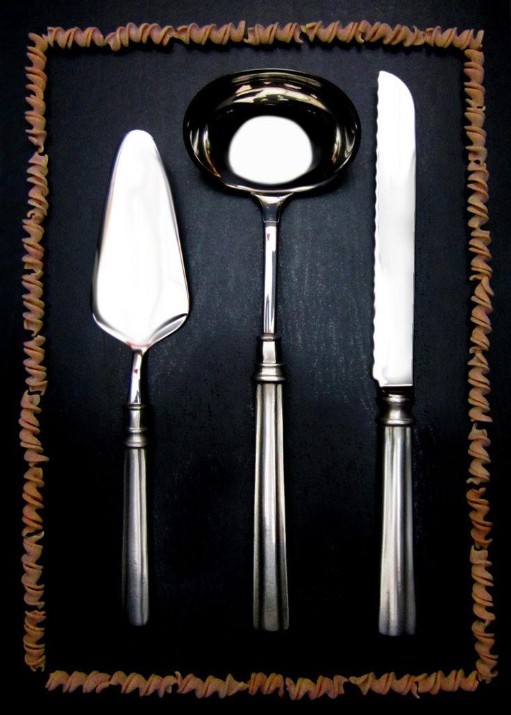 Pewter & Stainless Steel Cake Slice, Ladle & Bread Knife - Food Safe Product - #pewter #stainless #steel #serving #flatware #cutlery #serveware #set #peltro #acciaio #posate #servizio #servire #zinn #edelstahl #stahl #servierbesteck #peltre #tinn #олово #оловянный #tableware #dinnerware #table #accessories #decor #design #bottega #peltro #GT #italian #handmade #made #italy #artisans #craftsmanship #craftsman #primitive #vintage #antique