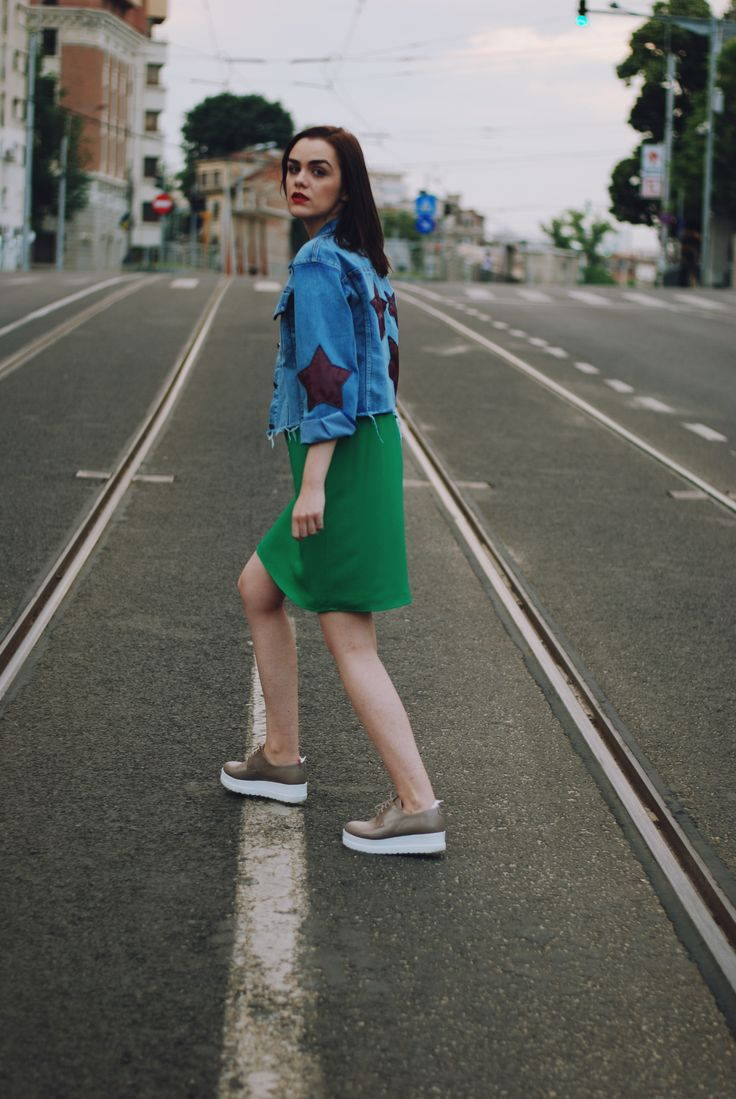 Green dress: the casual weekend outfit
