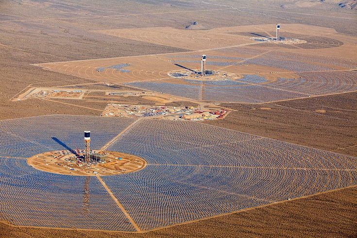 The scale of this concentrating solar power plant is awe\u002Dinspiring. Hundreds of thousands of mirrors are used to focus solar energy unto giant towers, generating clean electricity via steam turbines.