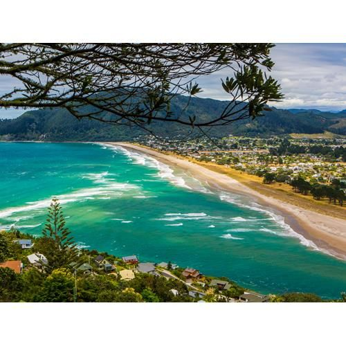 Nick Russell takes a loop of the Coromandel Food Trail for a hefty helping of fresh seafood, premium meats, seasonal crops and craft beverages