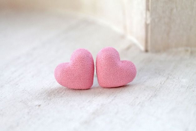 "Pretty puffy pink fabric  hearts on surgical steel posts.      **Materials utilised**  metal,fabric   **Size/Dimensions/Weight**  Heart width :1.8cm (5/8"")"