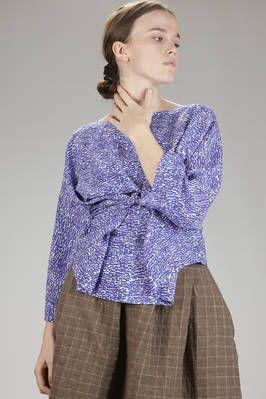 Daniela Gregis | hip-length shirt in silk chine crêpe with irregular micro 8 stamp - | #danielagregis