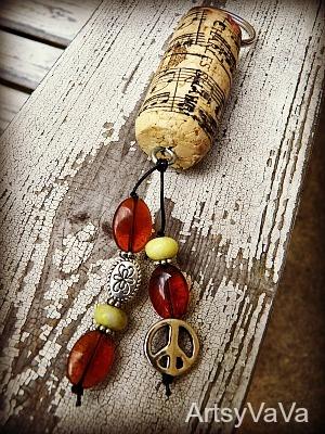 Artsy VaVa: Wine Cork Keychains: Crafts Ideas, Corks Keys, Corks Charms, Wine Corksss, Crafts Fun, Corks Keychains, Artsy Vava, Clever Crafts, Corks Win Crafts