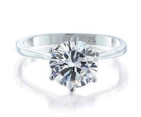 ♥♥♥  10 joias baratas e lindas de até R$170,00 Uma seleção de 10 joias baratas e lindas, que vão te sair até R$150,00. Inclui alianças de casamento, anel de noivado, brinco da noiva, presente de madrinha http://www.casareumbarato.com.br/10-joias-baratas-e-lindas/