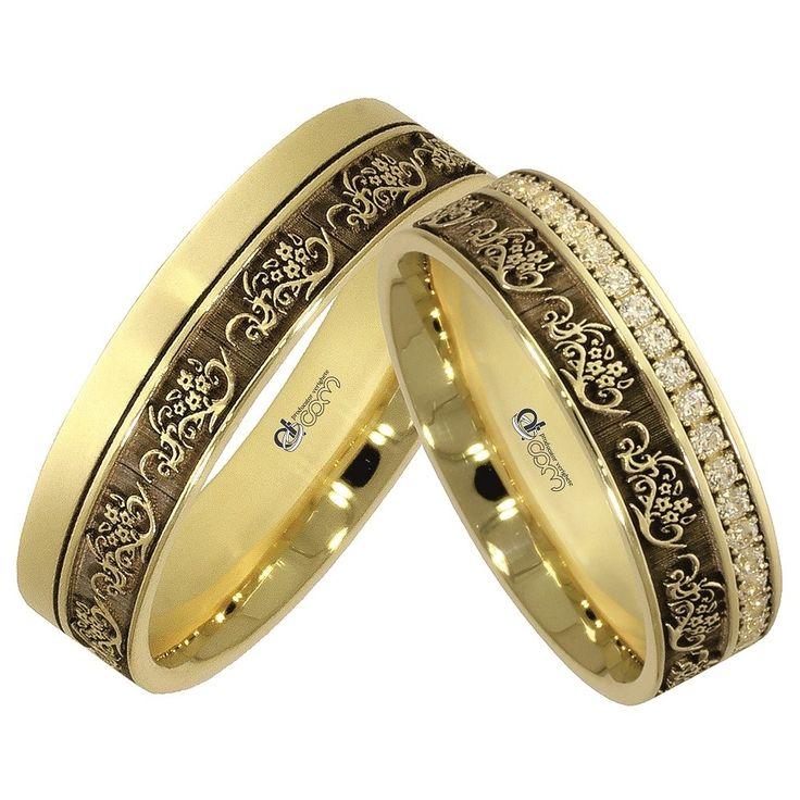 Verighetele ATCOM Lux MURANO aur galben de 14 karate sunt infrumusetate prin cateva imitatii inspirate din natura.   Ornamentele ce imbodobesc inelele de nunta ATCOM Lux MURANO, te poarta cu gandul la Venetia si la romantismul unei calatorii in compania persoanei iubite.