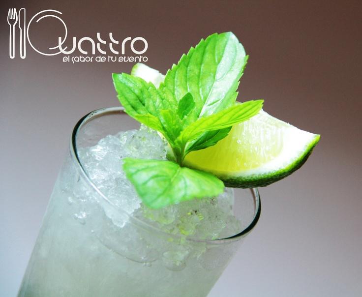 Encanta a tus invitados con este Mojito Tradicional, desde cuba para tí. #quattroperu  #cocteles #tragos #peru #fiesta #reunion #shower