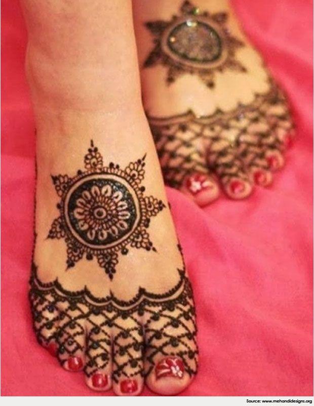 Round Foot Mehndi Design