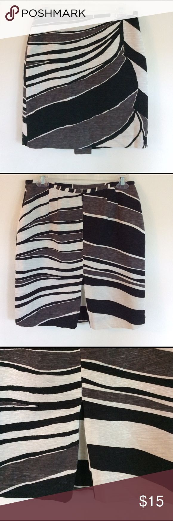Anne Taylor petites pencil skirt Cute pencil skirt with bold print. Pleated slit in back. Great for the office. Ann Taylor Skirts Pencil