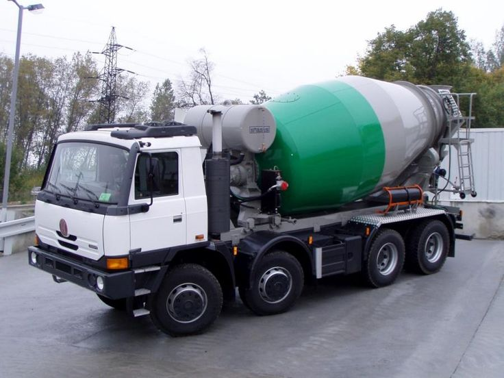 TATRA T815-8x8 cement mixer