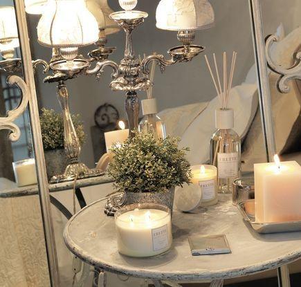 Создайте себе новогоднее настроение с аромасерией от дома Frette. Декоративные свечи, спреи и диффузоры украсят дом и наполнят его благоуханием. #chic #comfort #киев #фретте #дизайн #интерьер www.frette.com.ua