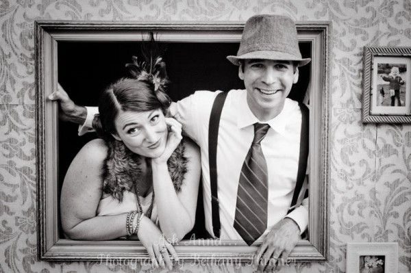1920's party pictures - love this photo prop scene
