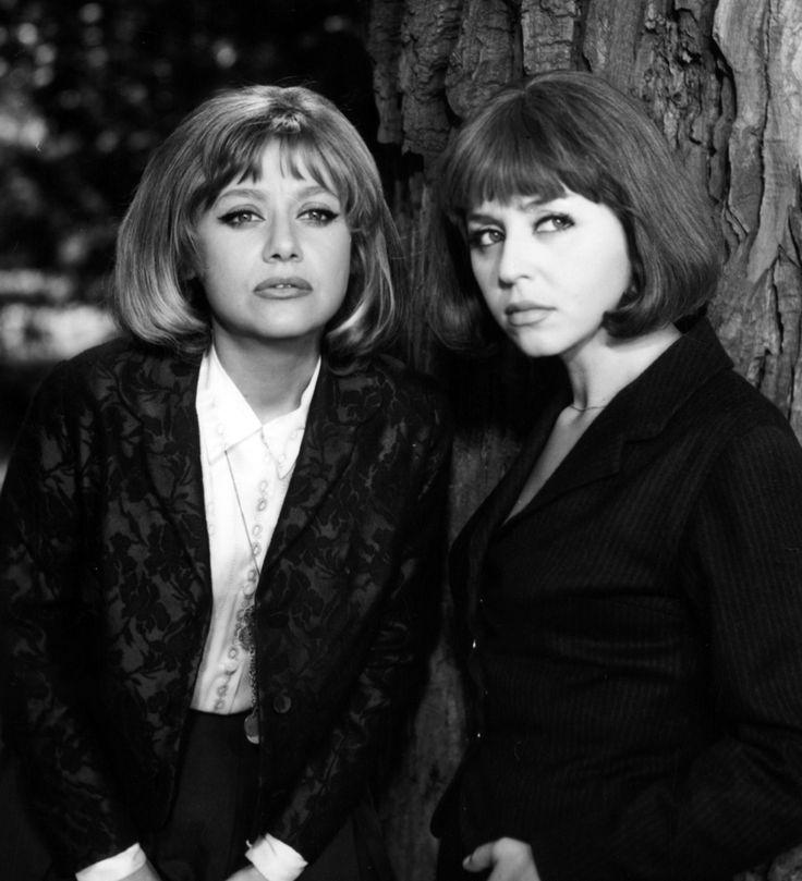 Krystyna Sienkiewicz and Kalina Jędrusik in Lekarstwo na miłość, 1966.