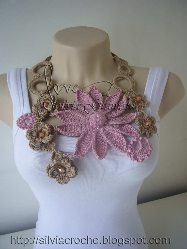 Silvia Gramani - posted for inspiration. Linked website is in another language, but has lots of other crocheted items!