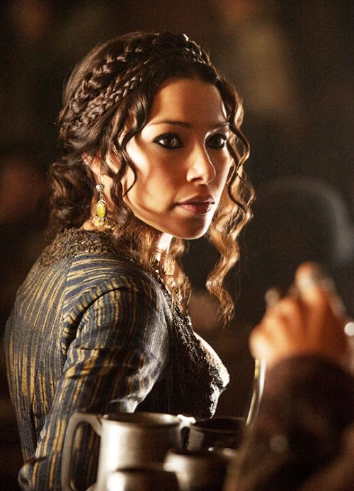 Jessica Parker Kennedy in 'Black Sails' (2014). x