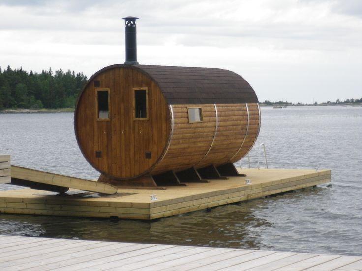 Tonnensauna 4,0m aus Thermoholz mit Terrasse (mit Holzofen