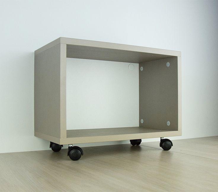 ARES 1 - Mobiletto design con ruote - Il mobile componibile Ares è un mobiletto con ruote pratico e maneggevole. Il suo design funzionale è studiato per permettere anche la componibilità con altri mobiletti.      Modular open cabinet with wheels      #design #furniture #madeinitaly