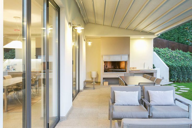 Wir zeigen euch schöne Design für die Terrasse! Kreiert einen Außenbereich und erschafft mit Grill und schönen Möbeln einen Rückzugsort!