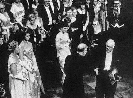10 Δεκεμβρίου 1963: O Σεφέρης παίρνει νόμπελ λογοτεχνίας