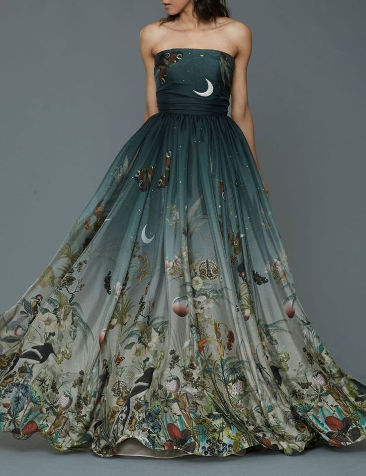 Dennis Basso Pre Fall 2016. --- this is a story dress.