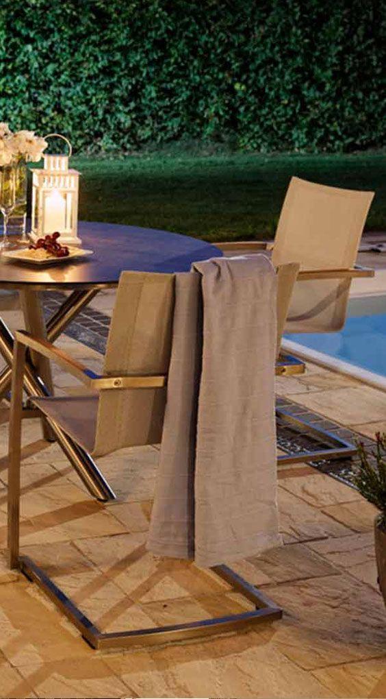 Exklusive Gartenstühle | Diamond Garden Venedig Freischwinger. Mehr Gartenstühle aus Edelstahl und Textilene gibt's bei Garten-und-Freizeit.de https://www.garten-und-freizeit.de/diamond-garden-venedig-freischwinger-edelstahl-textilene.html