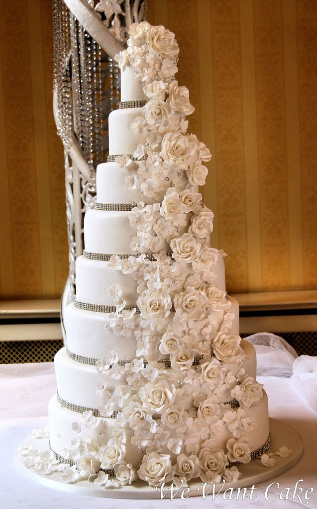 Big Wedding Cake Images : Best 20+ Luxury Wedding Cake ideas on Pinterest Luxury ...