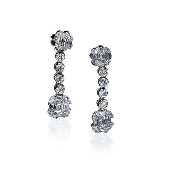 Brillant-Diamant-Ohrstecker mit 1,712ct Brillanten und Smaragschliffdiamanten hängend #Schmuck #Schmuck-Boerse #vintage