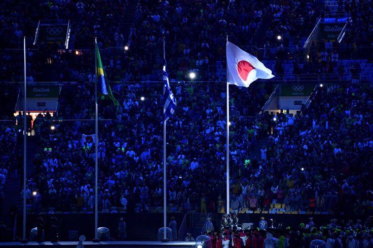 #ClosingCeremony 会場で日の丸の旗がなびいてます 🇯🇵 #オリンピック #リオ2016 #RioToTokyo