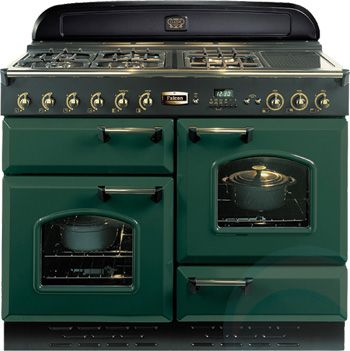 Gorgeous retro oven. Would go well with my Smeg fridge, Le Creuset cookware, KitchenAid appliances and Thermomix in my dream kitchen.