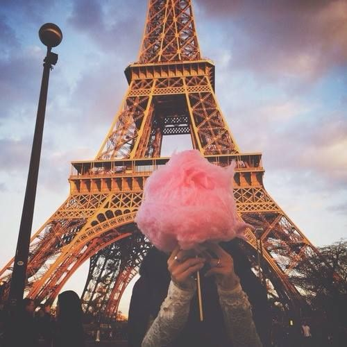 Eiffel tower and pink fairy floss