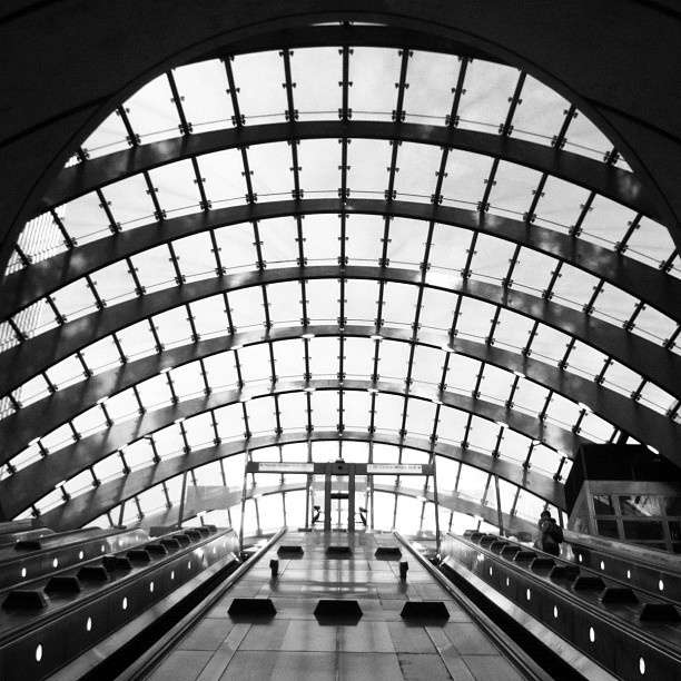#instagram #instagood #IGers #IG #iphoneography #iphone #photooftheday #picoftheday #love #popular #britain #uk  #london #tube #mono #canarywharf #architecture - @thatlindseyguy- #webstagram