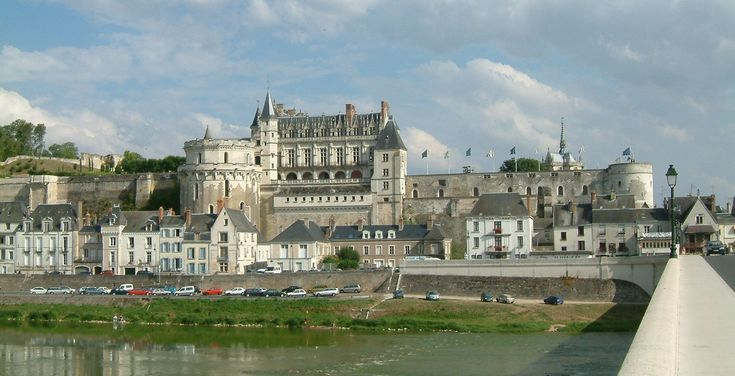 Amboise Castle | File:Château d'Amboise 06.jpg - Wikimedia Commons