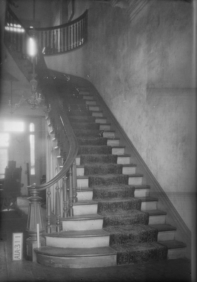 Rocky-Hill-Castle-winding-stairs-by-photographer-Alex-Bush-1935-Library-of-Congress.jpg (653×934)