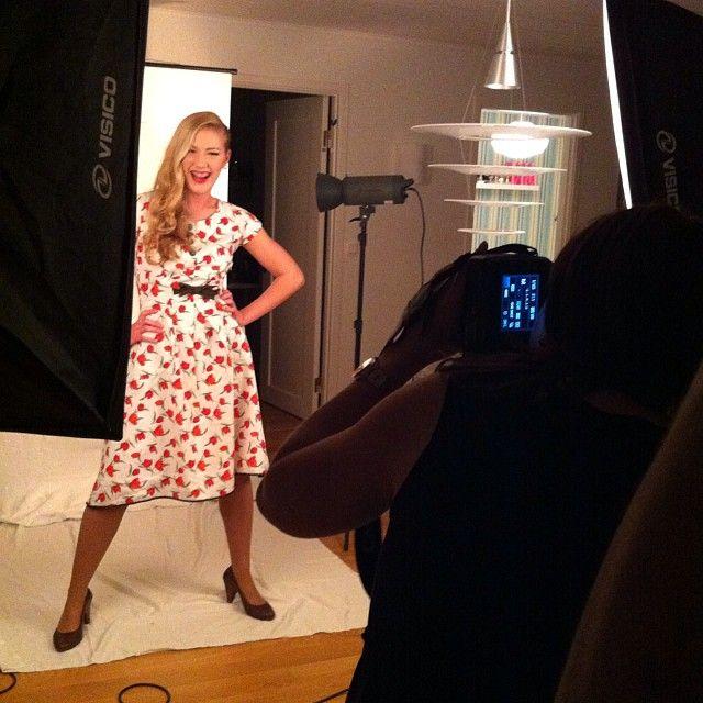 Photo shoot idag ;) #apronuf #cupcaketimegbg #wonderbrand #förkläde #ungföretagsamhet #makeupakuten #allakanstarta #vågastartaeget