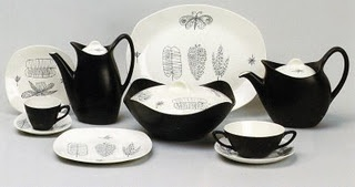 The Fashion range, was added to Stylecraft in 1955 and amongst the first of its designs was Conran's Nature Study. Then aged 24, this was one of Conran's early appearances on the design scene in his own right. After leaving St Martins College of Art and Design to do some work for the 1951 Festival of Britain, it was some fabric designs and an interest in Italian black and white styling that brought him to the attention of Roy Midwinter.