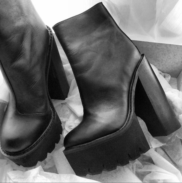 1072 best ShoesShoesShoes images on Pinterest