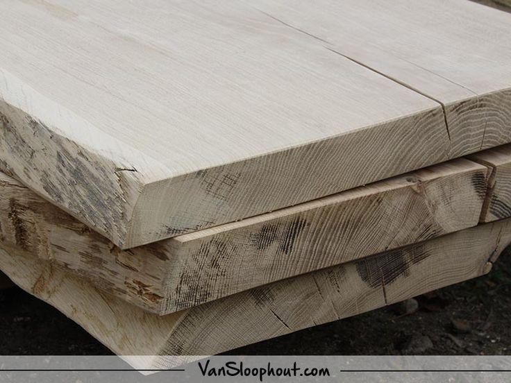 Boomstam tafels! Geschuurd en behandeld met een blanke matte lak. Goed te gebruiken als eettafels, bureaus, kantoortafels of mooi als tafeltjes in de horeca. #boomstam #tafels #eikenhout #eiken #oak #meubels #furniture #interieur #interieurinspiratie #wonen #woonkamer #living #interior #interiordesign #industrieel #industrieelwonen #industrial #robuustwonen #landelijkwonen #natuurlijkwonen