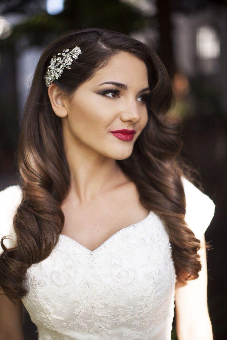 Hollywood glam soft hair down wedding with brooch