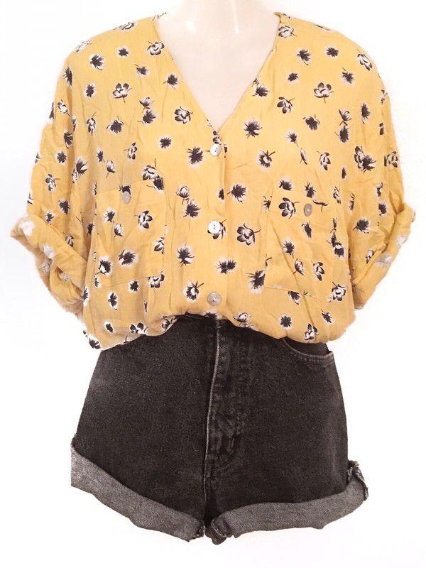 Mein Traumhafte Blumen Muster Oversize Bluse True Vintage Einzelteil Gelb Flowers  von true vintage. Größe Uni für 26,00 €. Schau es dir an: www….