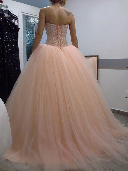 les 25 meilleures id es concernant mariage couleur saumon sur pinterest robes de demoiselle d. Black Bedroom Furniture Sets. Home Design Ideas