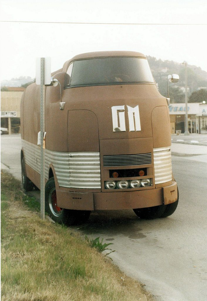 GM Futurliner Bus ------   *Repin by Tburg*