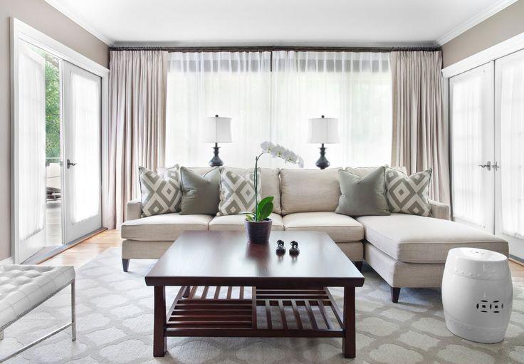 Stupendo soggiorno moderno contemporaneo con grandi finestre colore bianco di alta qualità - Guida all'acquisto finestre pvc - prezzi infissi pvc