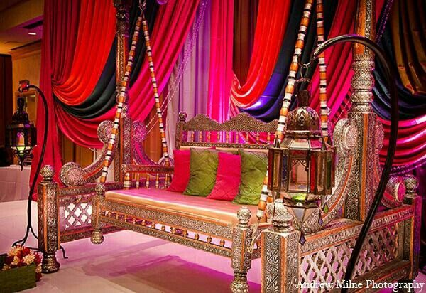 Mehndi Jhoola Decoration : Lovely mehndi stage pakistani wedding pinterest the