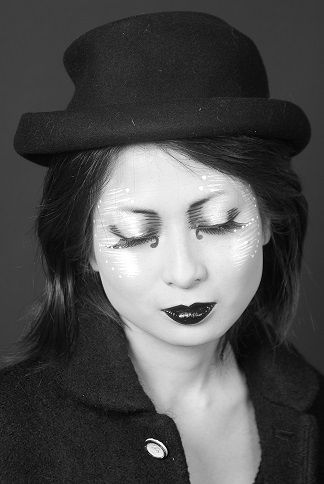Tomomi Kato <3 A black & white creation all in Paris
