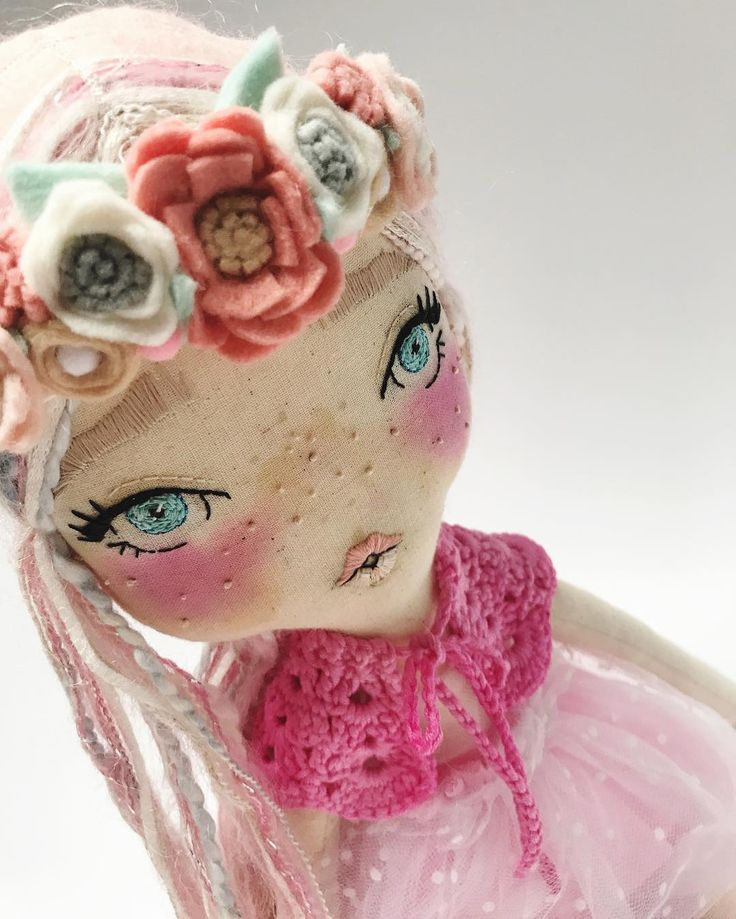 This pink beaut is modelling her new crown  #velvetrainbowsboutique #clothdoll #flowercrown #bohemianbabe