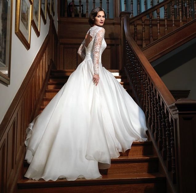 Editor's Pick: Suzanne Neville Wedding Dresses
