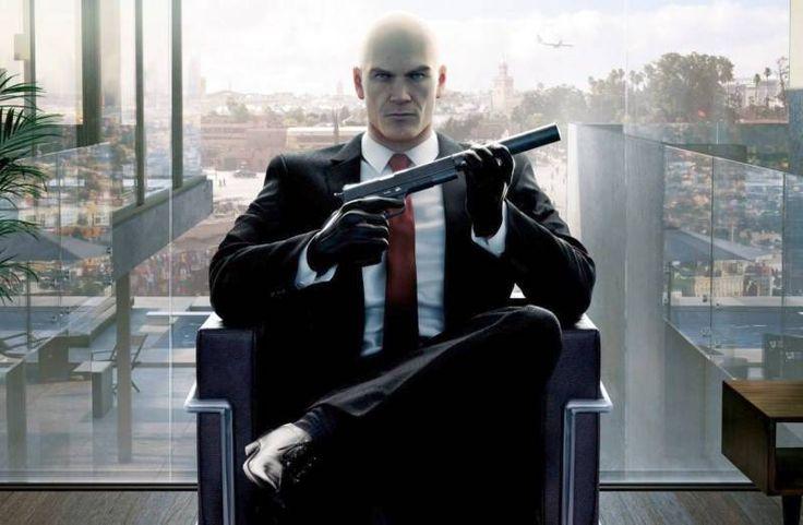 Screenshot przedstawiający intro gry Hitman 6 (2016) PL.
