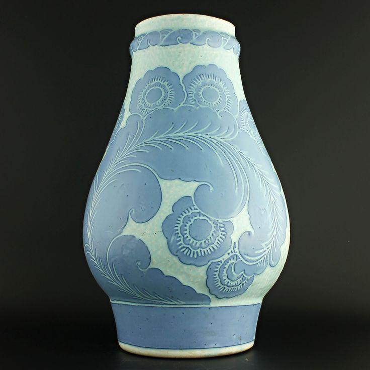 Josef Ekberg (1918) Grand art nouveau sgrafitto vase